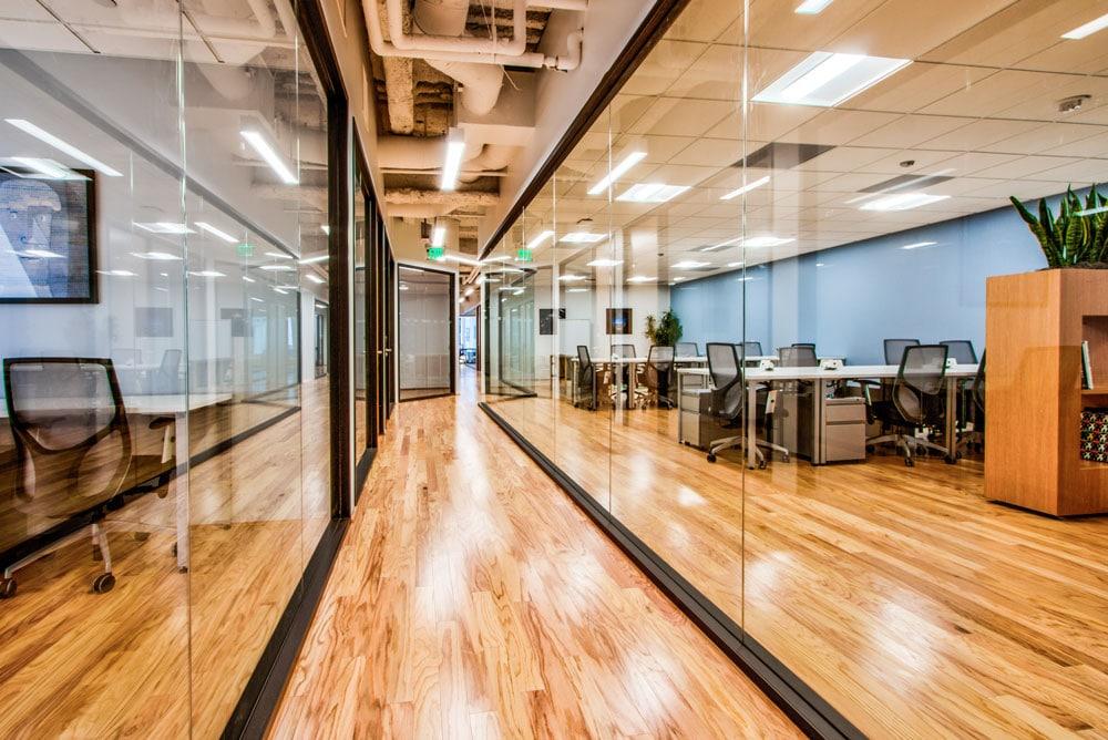VERTEX-47820-LA-Coworking-Space-11-Glass-Hallway